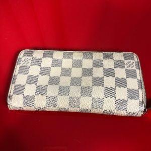 Damier Azur Zippy Wallet